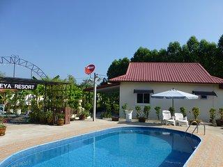 1 bedroom pool Villa Tropical fruit garden Fast Wifi Smart Tv
