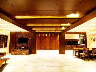 Royal Oakwood Villa by Shiloh Stay