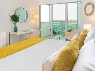 Coconut Grove Residences by Miami Vacation Rentals - Aria 1606 . OCEAN, 2