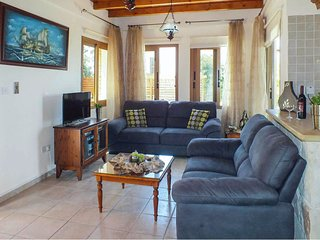 Argaka Villa Sleeps 6 with Pool Air Con and WiFi - 5820128