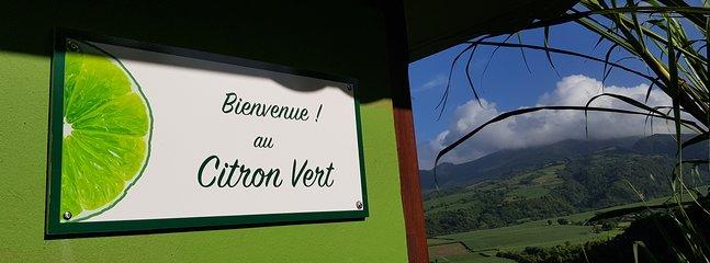 Citron Vert: une jolie maison face à la montagne Pelée. Calme et Nature !!!!!