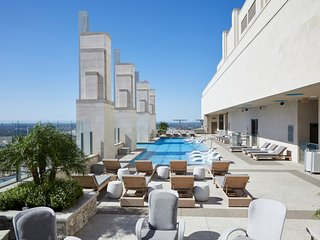 Domio | Downtown | Elegant 1BR | Infinity Pool