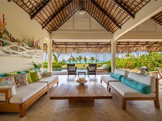 Luxury Ocean Front Villa with Pool at Playa Bonita