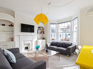 Modern & Lovely 4 Bed House w/Terrace nr Fulham