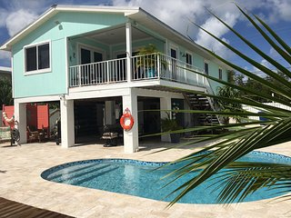 3/2 Pool Home on Cudjoe Key.  Room for 25-28 foot boat.