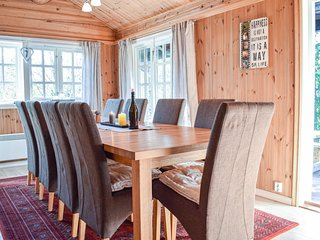 Nice home in Hemsedal w/ Jacuzzi, Sauna and 4 Bedrooms