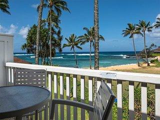 2-Level Ocean's Edge Bliss! Spacious, 2 Lanais, WiFi, modern Kitchen, Flat