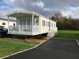 Luxury 2 Bedroom Caravan, Shanklin, Isle of Wight