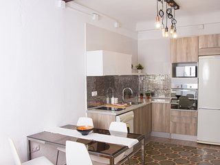El Barrio · Modern Apt. in the Historic Center and Beach- WIFI