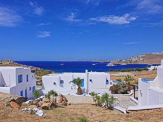 Maganos EikosiTria: Traditional one bedroom apt, for 3 persons, enjoys a shared