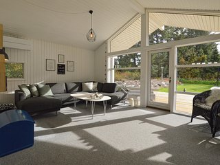 Awesome home in Højby w/ Sauna, 3 Bedrooms and WiFi
