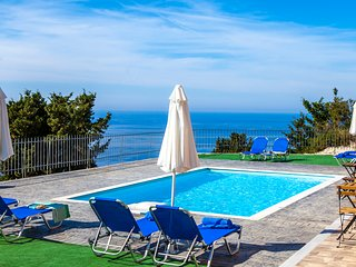 Wonderful Ble on Blue Villa with private pool And Amazing view in Athani Lefkada