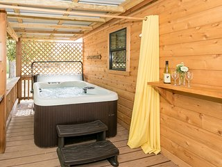 Live Oak Creek Cabins Dean's Cabin
