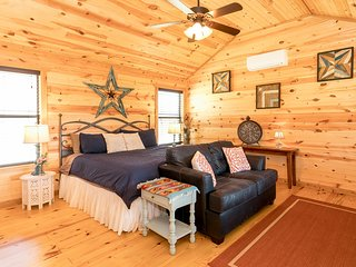 Live Oak Creek Cabins Peyton's Cabin