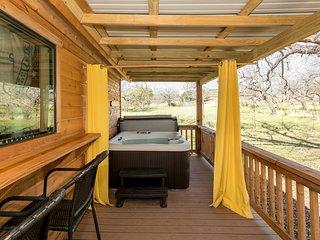 Live Oak Creek Cabins Mollie's Cabin