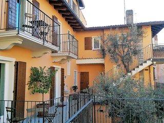 Ca' due Olivi Ferienhaus mit 5 Apartments, Innenhof und Sonnenterrasse
