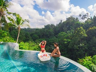 SPECIAL PROMO -40%,, Limitless Jungle Villas Complex, 5 BR, Ubud w/ staff
