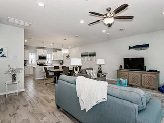 Newly Listed! Easy Walk to Beach, Community Pool, Bikes Provided, Gated Communit