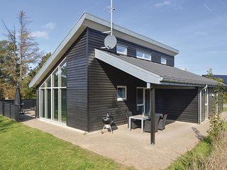 Nice home in Blåvand w/ Sauna, WiFi and 4 Bedrooms (A3131)
