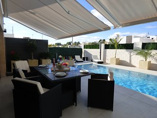 Villa Milan, beautiful and modern villa with private pool for 6 people