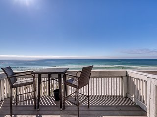 Gorgeous and cozy beachfront townhome with private deck and beach access
