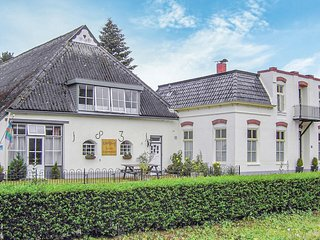 Beautiful home in Wehe-den Hoorn w/ WiFi and 10 Bedrooms (HGR019)