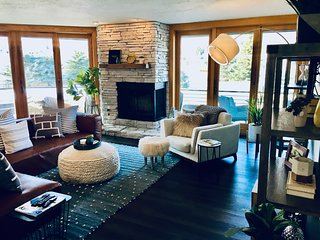 (SV700) Stunning Mountain View Spacius Townhome