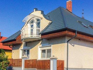 Nice home in Balatongyörök w/ WiFi and 4 Bedrooms (UBN444)