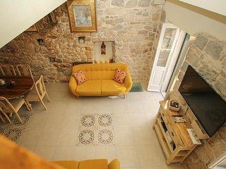 Makarska Villa Sleeps 5 with Air Con - 5818192
