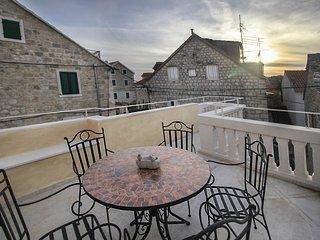 2 bedroom Villa with Air Con and WiFi - 5818192