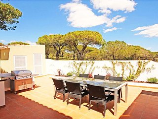 Vale do Garrao Villa Sleeps 6 with Pool Air Con and WiFi - 5818226