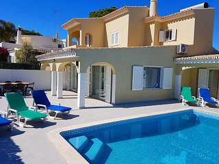 3 bedroom Villa with Air Con, WiFi and Walk to Beach & Shops - 5818226