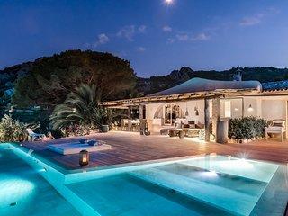 Luxury villa Raffaella