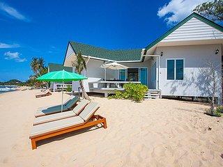 Interstellar Beachfront Villa A   Samui 2 Bed Beachside Villa