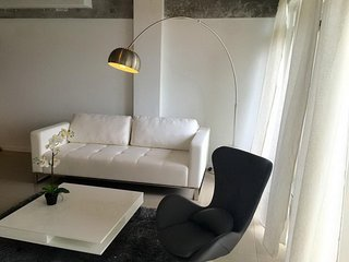AC 2 Bedroom + 2 Bath Apartment with Swimming Pool Access - ********