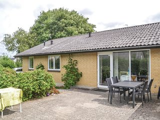 Nice home in Karup J w/ WiFi and 3 Bedrooms