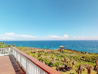 Oceanfront retreat with breathtaking views, shared pool, 5 min. drive to beach!