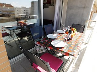 Modern Apartment with private parking in the center of Roses, Costa Brava