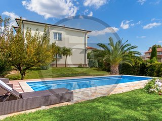 Nice home in Pula w/ Outdoor swimming pool and 4 Bedrooms (CIR355)