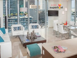 ★Luxury High Floor Oceanfront★Balcony★Smart TVs★SPA & Fitness★Icon Bri