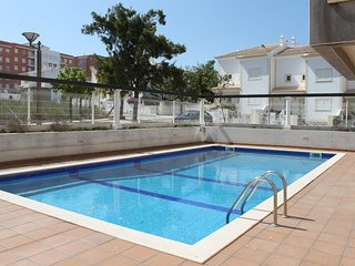 Nice apt with shared pool & Wifi