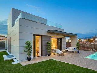 Modern lyxig villa med privat pool