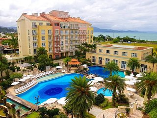 Conforto em resort Jurerê Internacional ILC2412
