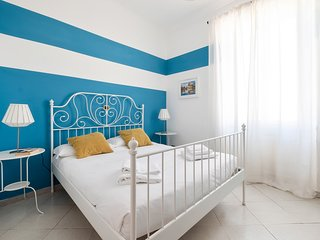 Cheerful apartment in the university district w/ WiFi - one dog welcome!