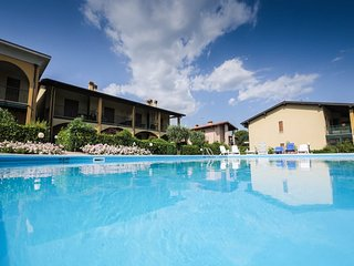 Dog-friendly apt. w/shared pool, near Lake Garda and restaurants.