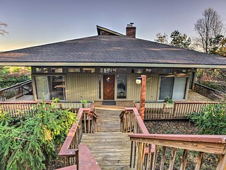 NEW! Home w/Wrap-Around Deck+Blue Ridge Mtn Views