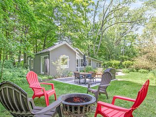 Private, dog-friendly cottage w/ screened-in porch - perfect for a cozy getaway