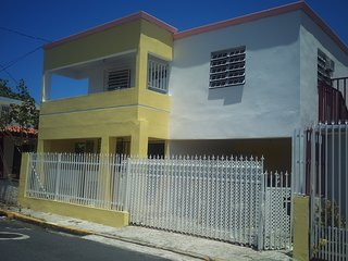 Full 1 bedroom apartment close to the beach and restaurants for 4 people
