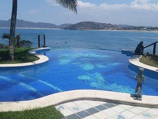 Buz045-Luxury Triplex with beautiful sea view in Buzios Buz045