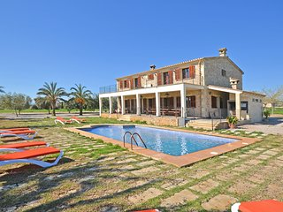 FUSTERA - BEAUTIFUL COUNTRY HOUSE WITH PRIVATE POOL